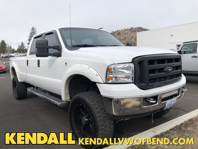Pre-Owned 2003 Ford Super Duty F-350 SRW XLT